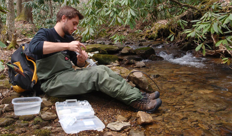 Kyle Doss is a Virginia Tech undergraduate student working on stream assessments in the Schoenholtz Lab